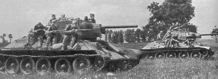 T34-76_and_tank_riders.jpg