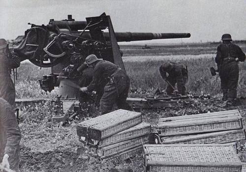 الأسلحة المضادة للـدبابات في الحرب العالـمية الثانية 88mm-flak