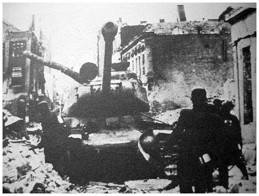 french-ss-charlemagne-unit-berlin-1945-fight-russian-tanks