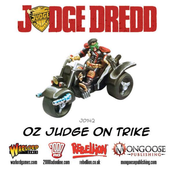 JD142-Oz-Judge-on-Trike