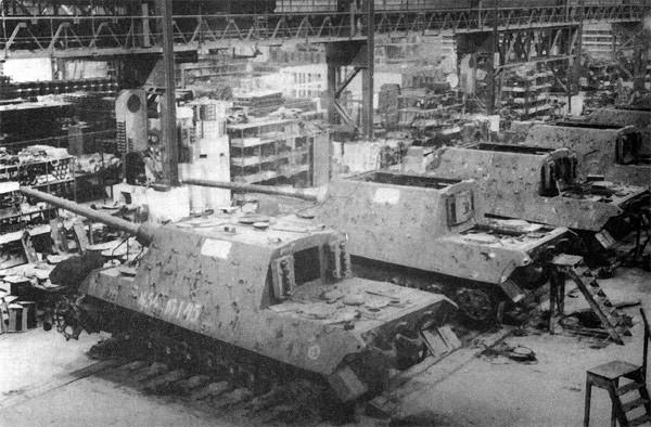 Jagdtiger Factory