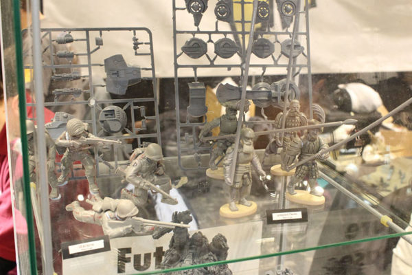 Salute 2016 Cabinets (14)