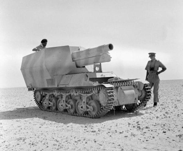 Abandoned_SdKfz_135-1_near_El_Alamein_1942