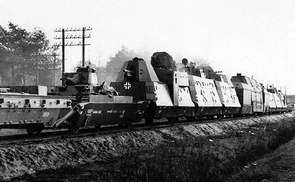 Panzerzug_61_BP42_German_armored_train