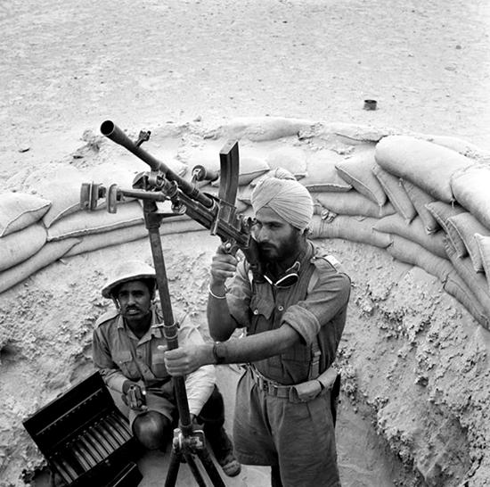 4th-div-manning-a-bren-gun