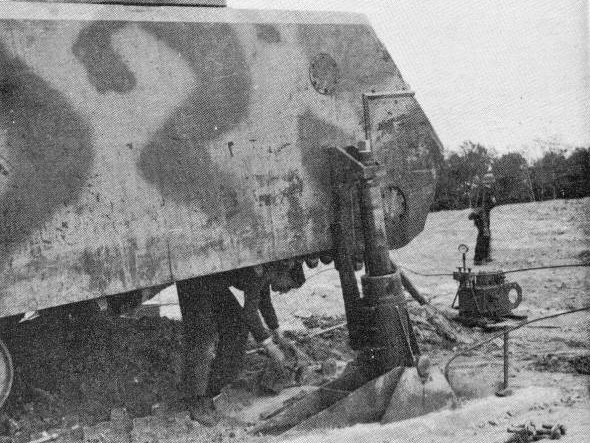 Panzer VIII Maus track change 1