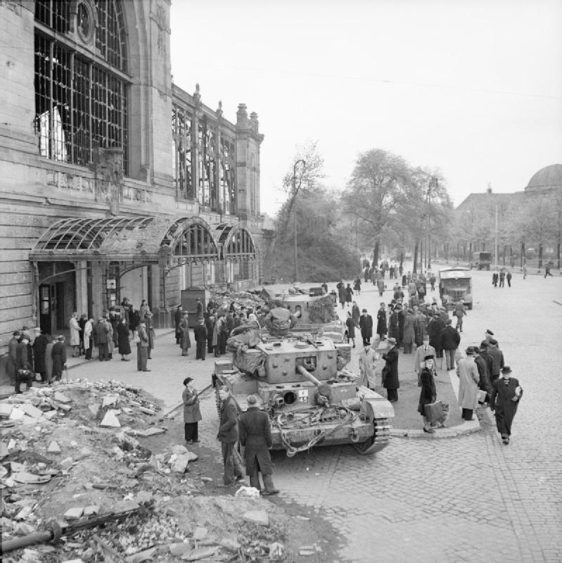 Cromwell &Challenger tanks at Hamburg