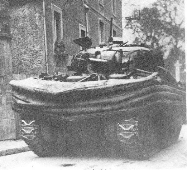 juno-4-7.2-Sherman DD tank