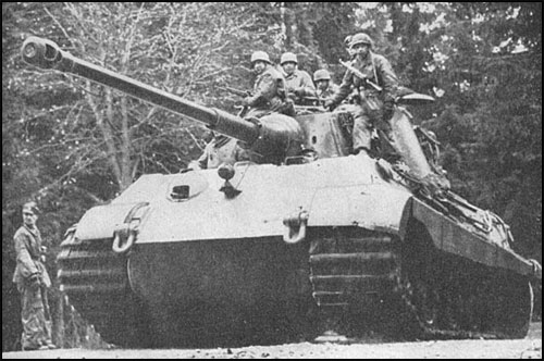 Fallschirmjager-tiger2_in_action