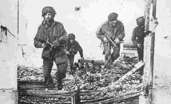 Brit Airborne Arnhem1944