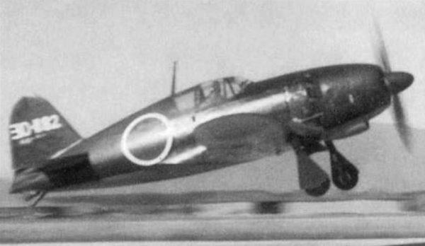 j2m3-raiden-21-of-the-302nd-kokutai-taking-off-from-its-base-at-yokosuka