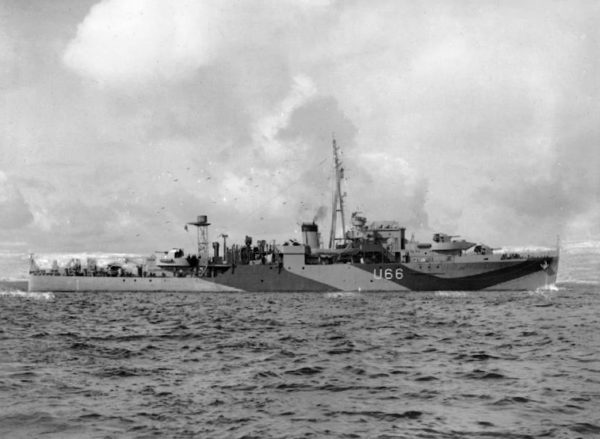 HMS Starling (U66) underway in 1943
