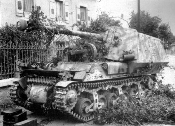 Marder I auf Geschutzwagen Lorraine Schlepper (f) - SdKfz 135 lies abandoned in Vesoul,France - 1944.