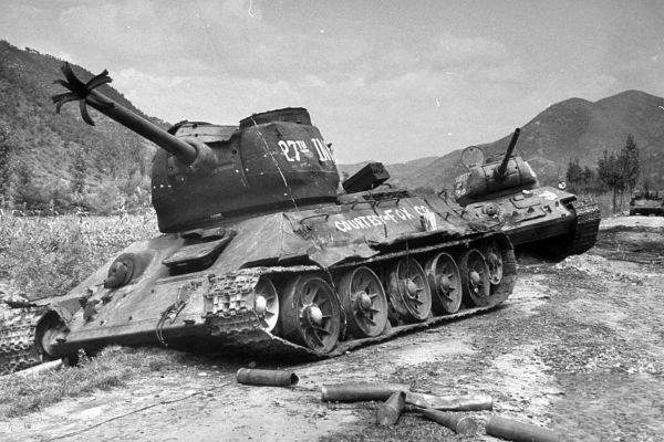 Destroyed KPA T34/85